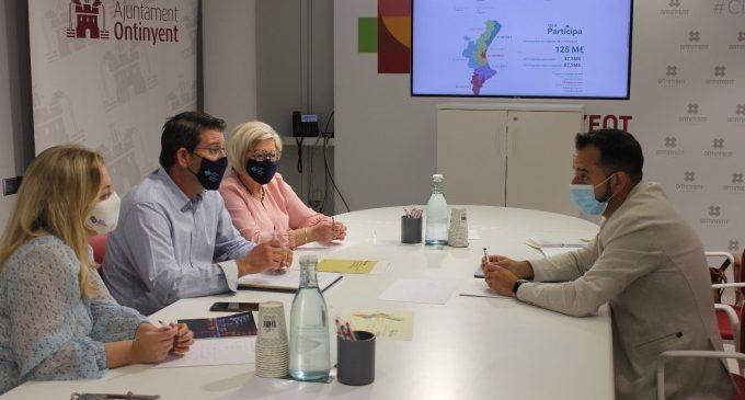 El secretari autonòmic de Transparència presenta a l'alcalde d'Ontinyent els primers pressupostos participatius de la Generalitat