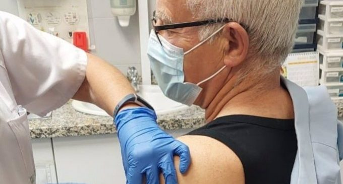 Ribó rep la primera dosi de la vacuna contra la Covid-19