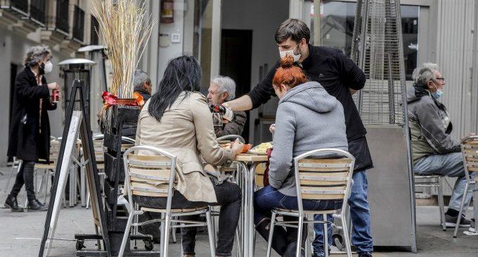València suspén les taxes de terrasses, mercats de carrer, quioscos i activitats culturals a l'aire lliure per a tot el 2021