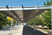 València posa en funcionament huit pèrgoles fotovoltaiques en diversos barris i pobles