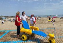 El servici d'ajuda al bany a les platges de València s'amplia fins el 15 de setembre