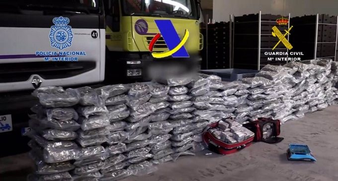 Desarticulada una organització criminal que anava a distribuir 12 tones d'haixix en narcolanchas