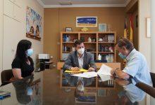 L'Ajuntament de Burjassot signa un conveni amb la Parròquia Sant Josep Obrer per a col·laborar amb el seu Banc d'Aliments