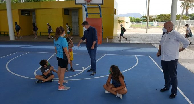 La regidora d'Educació de Xàtiva anima a les famílies a aprofitar les ajudes per a l'escolarització infantil