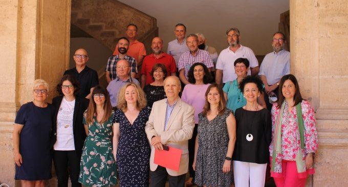 Les noves acadèmiques han assistit hui al seu primer Ple de l'AVL