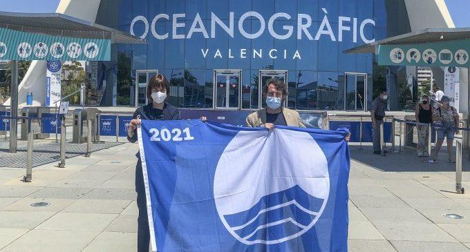 Diana Morant recull la bandera blava per 35a vegada i els distintius mediambientals de la platja de Gandia