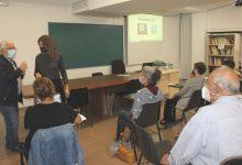 Ontinyent ofereix un taller de formació en noves tecnologies per a gent major