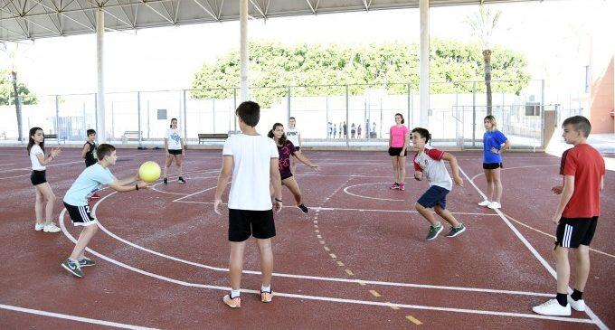 La Concejalía de Juventud y Deportes programa un Campus de Verano gratuito en el polideportivo