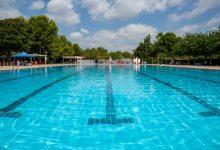 La piscina municipal d'estiu de Mislata obri les seues portes amb totes les mesures de seguretat