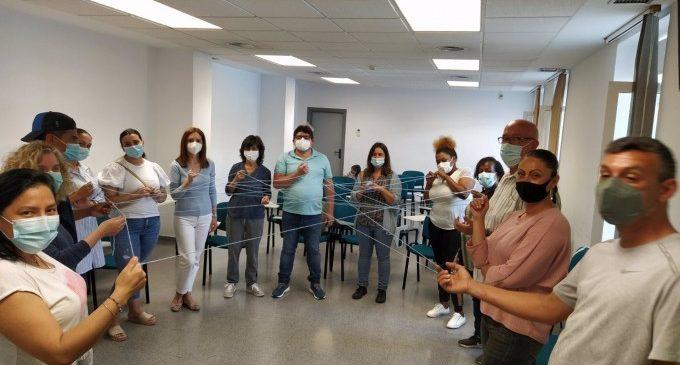 Sanitat forma a més persones per a estendre la figura d'agents de salut de base comunitària