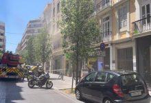 Bombers sufoquen un incendi en un restaurant del carrer Hernán Cortes de València