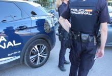 Detingudes dues persones per acoltellar al cap a un veí amb el qual tenien problemes en Russafa
