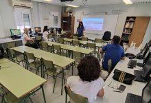 Sedaví celebra dos cursos de manipulació d'aliments i comunicació amb la clientela