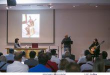 Gandia homenajea a Josep Rausell y recibe las esculturas de Joan Martorell y Panxa Verda