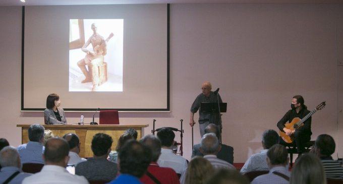 Gandia homenatja Josep Rausell i rep les escultures de Joan Martorell i Panxa Verda