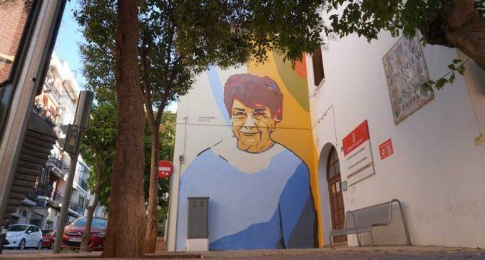 La científica valenciana Elvira Costell protagonitza un nou mural del projecte Dons de Ciència de la Universitat Politècnica de València i Les Naus