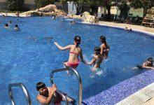 Quart de Poblet no tanca per vacances: música, cinema gratuït, riu o gimnàstica en la piscina, algunes de les ofertes estiuenques