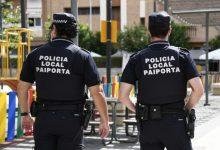 Un policia de Paiporta reanima a un bebé que s'estava ofegant