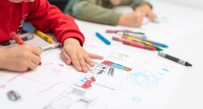 Comença el termini per a sol·licitar les ajudes de material escolar a Aldaia