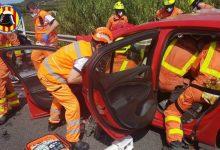 Un mort i quatre ferits greus després d'una col·lisió frontal entre dos cotxes a Castelló de Rugat