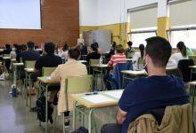 CSIF insta Educació a negociar una oferta d'ocupació per a tres anys que