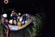 Rescaten a una parella que s'havia perdut mentre feia un descens en canoa pel riu Túria
