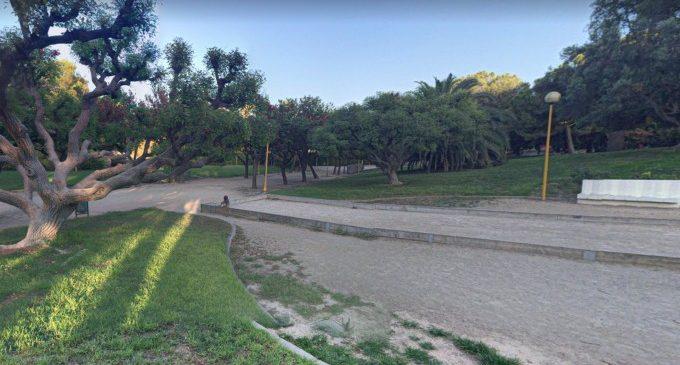 Una dona resulta ferida després de caure un fanal i colpejar-li el cap al parc de Benicalap