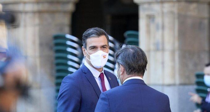 Sánchez anuncia que a l'agost arribaran a Espanya 3,4 milions de dosis de la vacuna de Pfizer