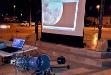 La noche astronómica se consolida como una cita veraniega para todos los públicos en la playa de Puzol