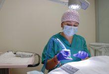La consulta de micropigmentació oncològica de la Fe reconstrueix l'estructura arèola-mugró de 40 pacients