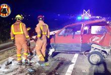 Excarceren a una persona després d'una col·lisió entre dos cotxes en l'A-7 a Beneixida