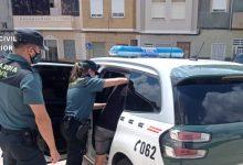 Detenidos dos jóvenes acusados de inmovilizar a otro para robar en su casa de Silla