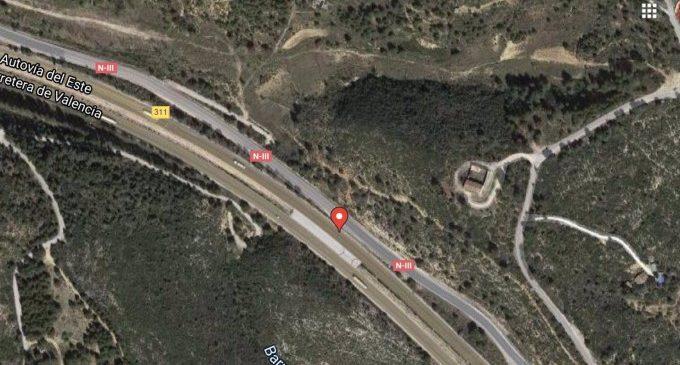 Declarat un incendi de vegetació amb diversos focus al costat de la A-3 a Buñol