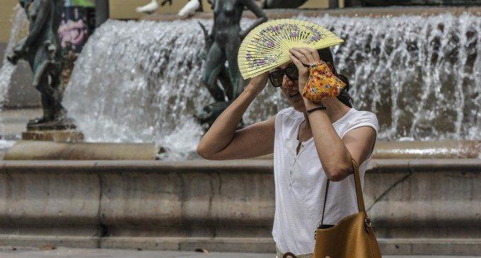 La pitjor cara de l'onada de calor arriba el cap de setmana: més de 40 graus i tempestes amb granís
