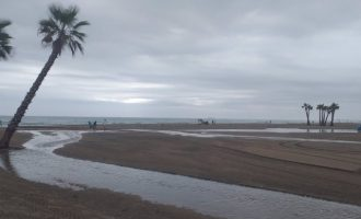 Sagunt y Canet cierran sus playas temporalmente por los daños en mobiliario y socavones ocasionados por las lluvias