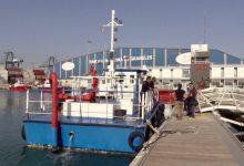 El Puerto de València retira 480 kilos de residuos flotantes en el primer semestre