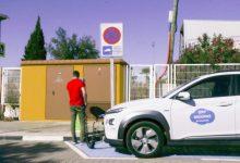 Torrent avança en el Pla de Mobilitat Sostenible amb la instal·lació de punts de recàrrega per a vehicles elèctrics