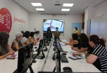 Paterna inicia un curso destinado a las Asociaciones de Mujeres para combatir la brecha digital