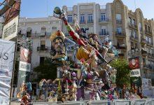 Falla Regne de València – Duc de Calabria: un viatge a l'edat mitjana entre el bé i el mal