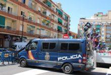 Detinguts quatre joves per sostraure la cartera amb 1.800 euros a un home en una Falla de Patraix