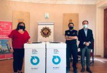 Alcàsser, primer municipio de España en reciclar los uniformes de la Policía Local