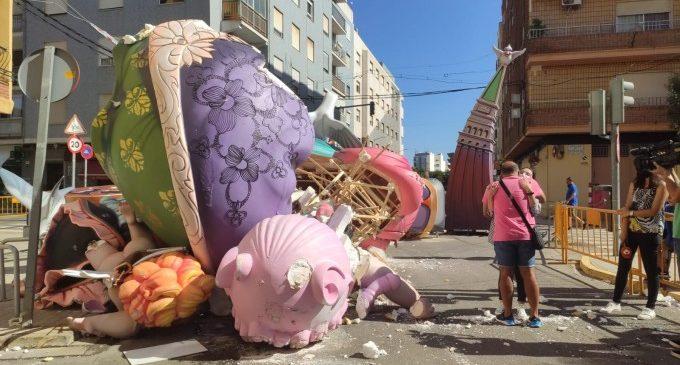 """Cau la Falla el Charco de Catarroja: """"Va ser tot molt ràpid, el vent es va alçar i va caure a terra en segons"""""""