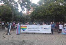 """Concentracions simultànies en la Comunitat diuen """"basta"""" a les agressions homòfobes: """"Si parem, l'odi avança"""""""
