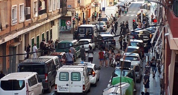 Un pla integral per a Orriols i major presència policial, les reivindicacions veïnals per a frenar la violència en el barri